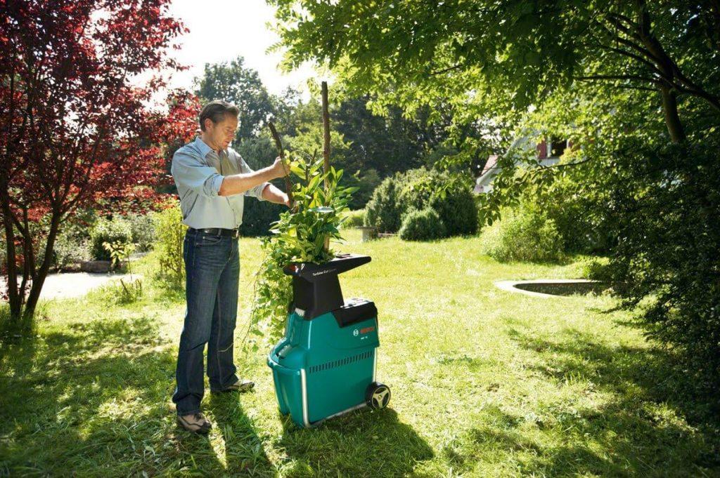 broyeur de végétaux Bosch AXT 25 TC